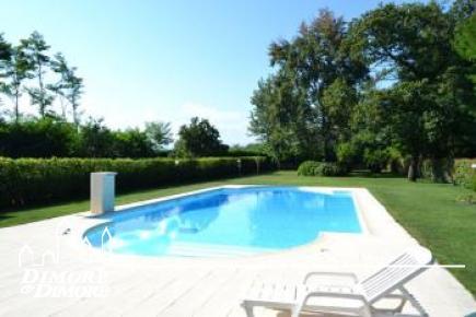 Villa a Castelletto Sopra Ticino con piscina