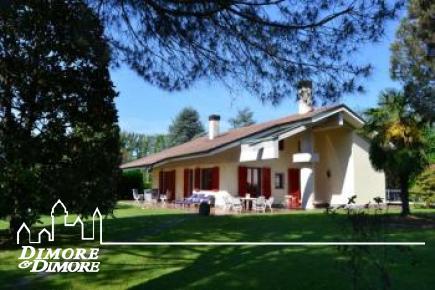 Villa a Lesa fronte lago in affitto settimanale