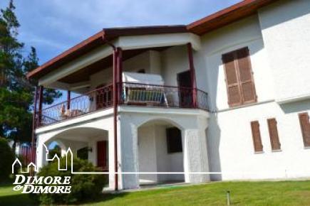 Villa a Massino Visconti in vista lago Maggiore