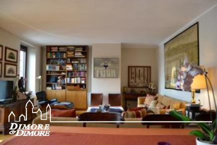 Prestigioso appartamento a Sesto Calende