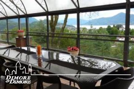 Villa a Luino vista lago Maggiore