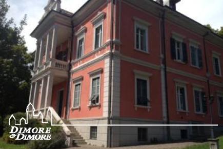 Bilocale in villa a Suna