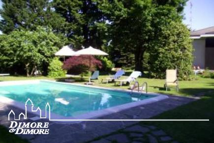Villa con piscina e giardino Sesto Calende