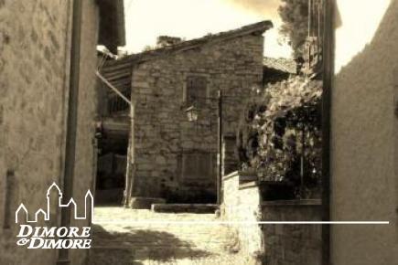 Renovierung des Wohnhauses BI / TRI Familie in der Stadt Montorfano