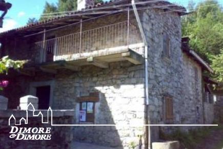 Renovierung von Gebäuden in der Ortschaft Montorfano