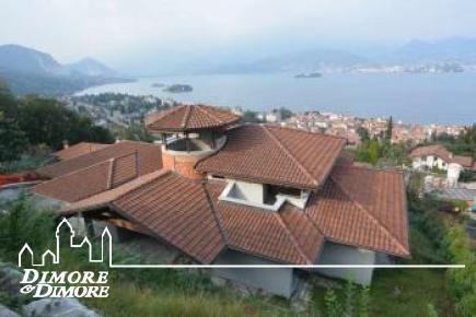 Villa moderna a Stresa