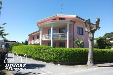 Villa in Arona ristrutturata