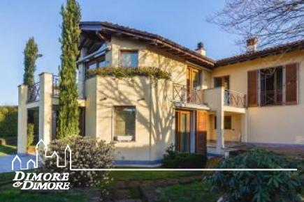 Elegante villa in vendita a Bodio Lomnago