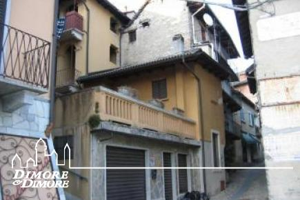 Casa a Premeno in centro storico