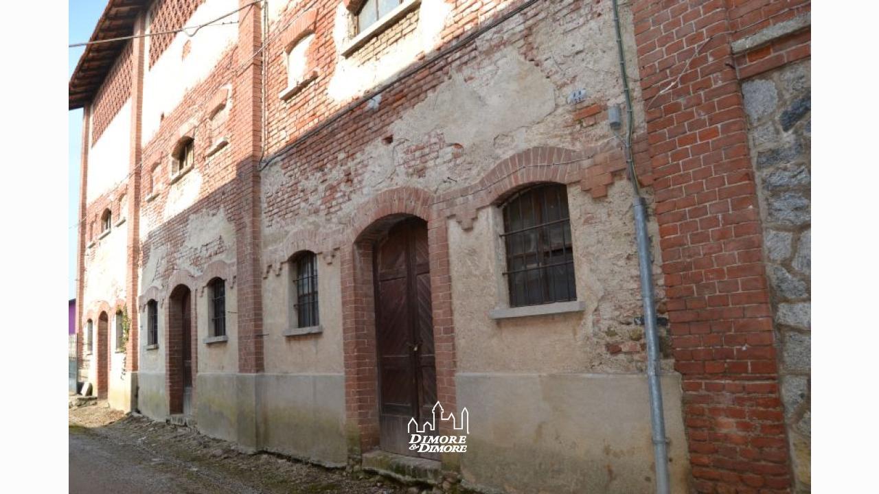 Grande rustico a suno in zona centrale dimore dimore agenzia immobiliare a verbania - Dimore immobiliare ...