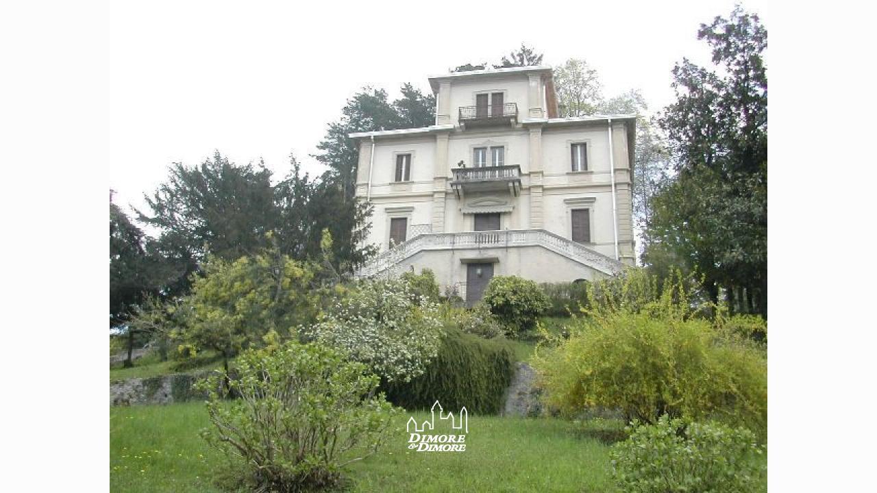 Villa lago d 39 orta d 39 epoca dimore dimore agenzia - Dimore immobiliare ...