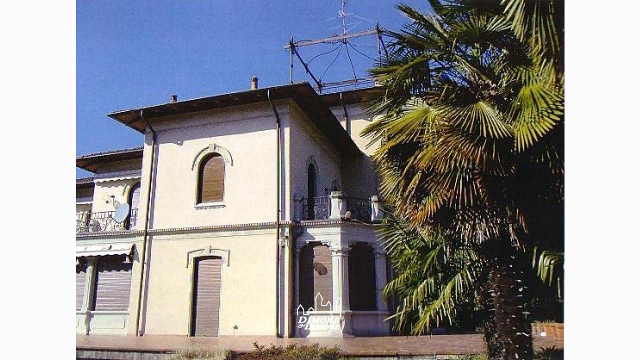 Villa d 39 epoca a varese dimore dimore agenzia - Dimore immobiliare ...