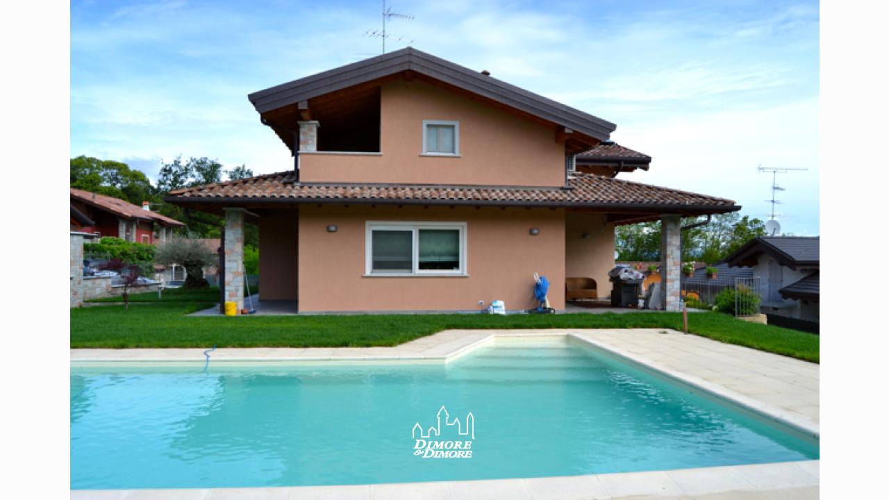 Villa a borgo ticino con piscina dimore dimore - Ville con piscina ...