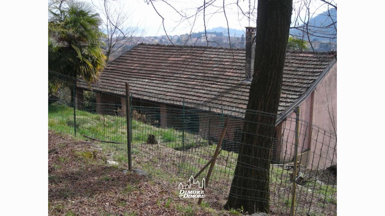 Casa a verbania con giardino e vista lago maggiore - Ville con giardino foto ...