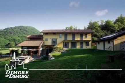 Lombard farmhouse restored to Angera