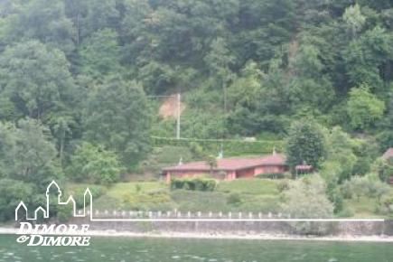 VENDU - Villa au bord du lac a augmenté à Ispra