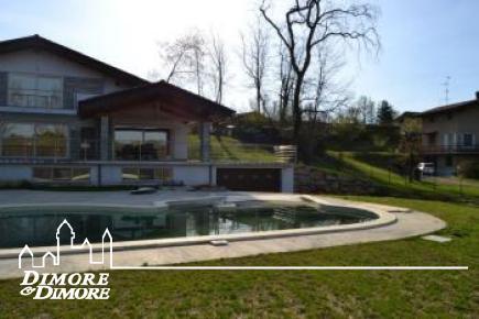 Villa in vendita ad Agrate Conturbia
