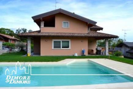 Villa with pool in Borgo Ticino