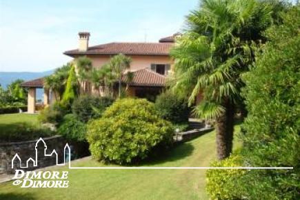 Villa overlooking Lake Maggiore in Verbania