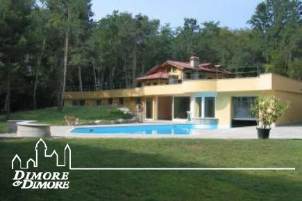 Luxury villa in Agrate Conturbia
