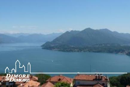 Apartment in Stresa with a splendid view of Lake Maggiore