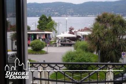 Schöne Zimmer-Wohnung mit Blick auf den See in Verbania