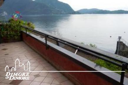 Apartment in a beautiful house in Verbania