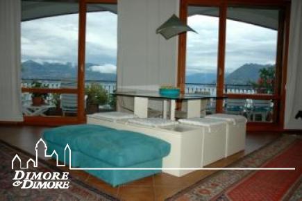 Apartamento en Stresa, Lago Mayor con piscina y vistas