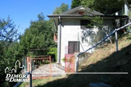 House in Intragna with dominant views of Lake Maggiore