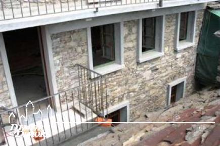 Дом из камня в Intragna