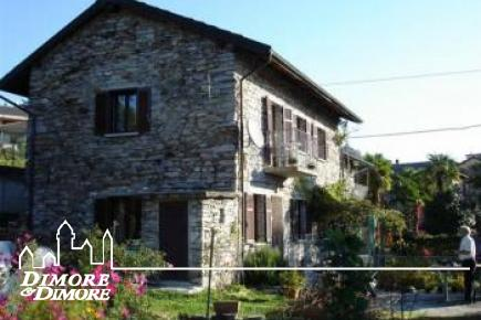 Semi-detached stone house in the hills
