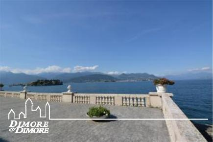 Flat for sale in front of Lake Maggiore Stresa