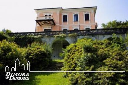 Historische Villa in Stresa