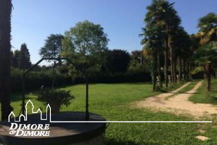 Villa ottocentesca a Leggiuno con parco