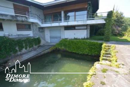 Villa con darsena a Baveno