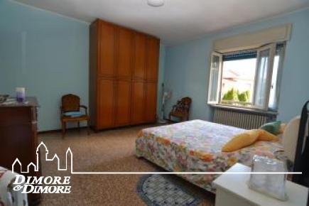 Villa in vendita a Sesto Calende