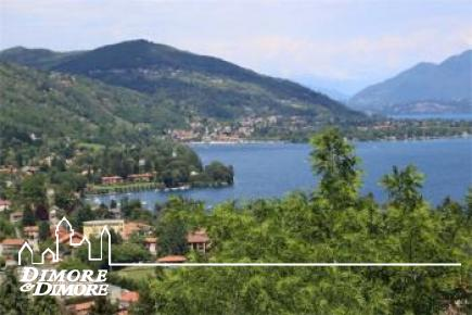 Элегантная вилла в Мейна Magggiore с видом на озеро, садом и бассейном