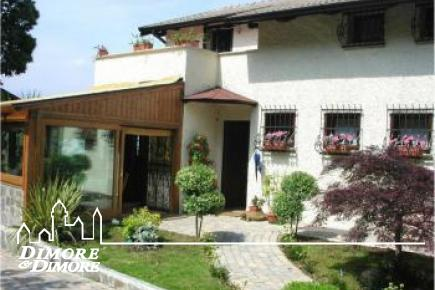 Villa in Stresa town Binda, beautiful lake view.