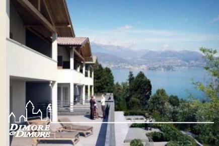 Apartment in Stresa with splendid views over Lake Maggiore