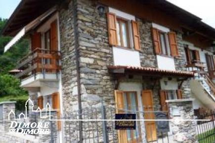 Schönes Steinhaus in Ghiffa