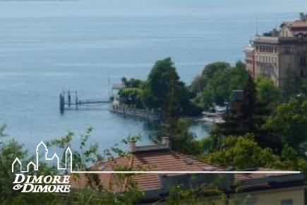 Villa avec vue sur le lac dans des endroits Pallanza Castagnola