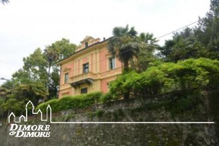Villa storica in vendita sul lungolago di Verbania