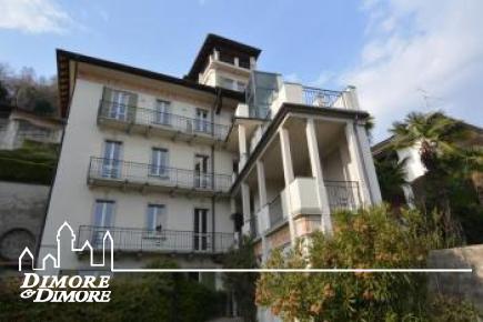 Attico in villa del primo 900 con torretta belvedere