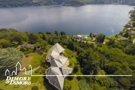 Prestigiosa villa con spiaggia Lago d'Orta